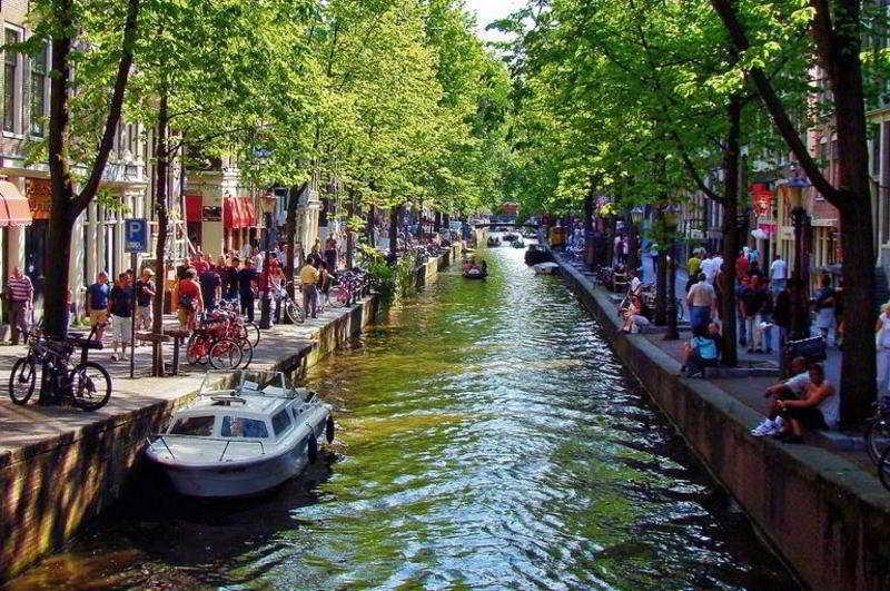 Roulette Amsterdam 4*