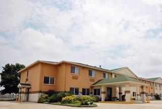 QUALITY INN SUITES LINCOLN NEAR I-55