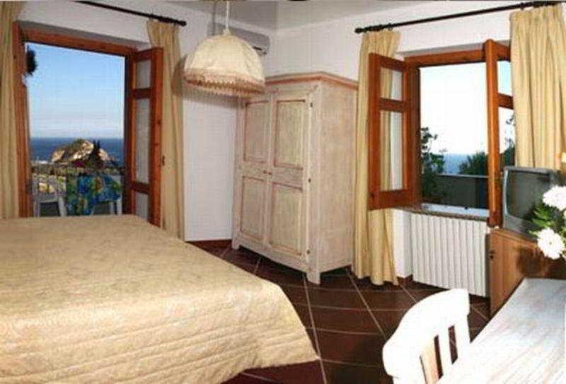 Punta Chiarito Resort -