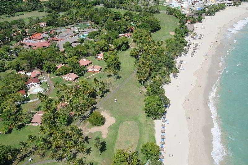 http://www.hotelbeds.com/giata/12/129994/129994a_hb_a_002.jpg