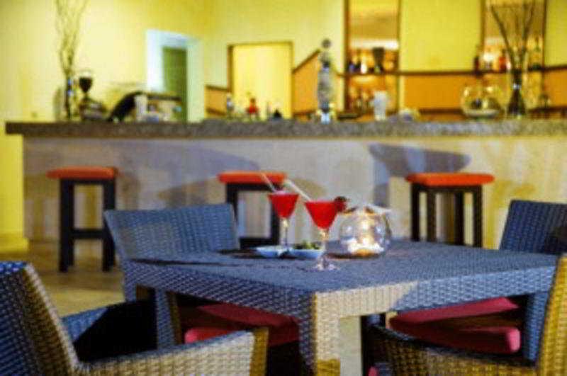Nh Royal Beach:  Bar
