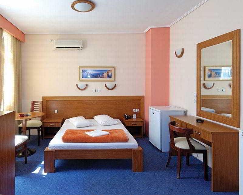 Hotel Acropole Piraeus
