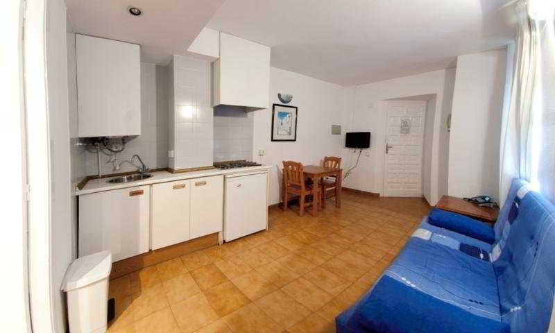 El Divino Apartamentos - Hoteles en Ibiza (Eivissa - Playa d'En Bossa)