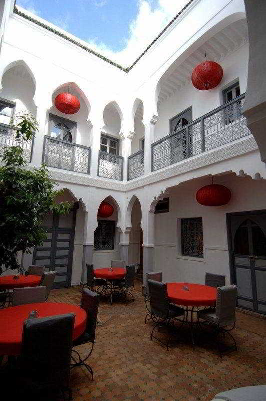 Hotel Riad Azukar -