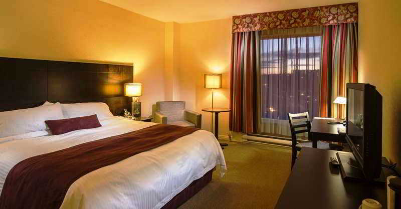 Quality Hotel Amp Suites Montreal
