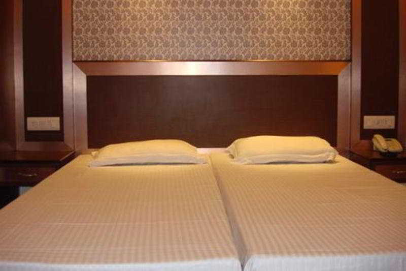 Hotel Rama Deluxe New Delhi, India Hotels & Resorts
