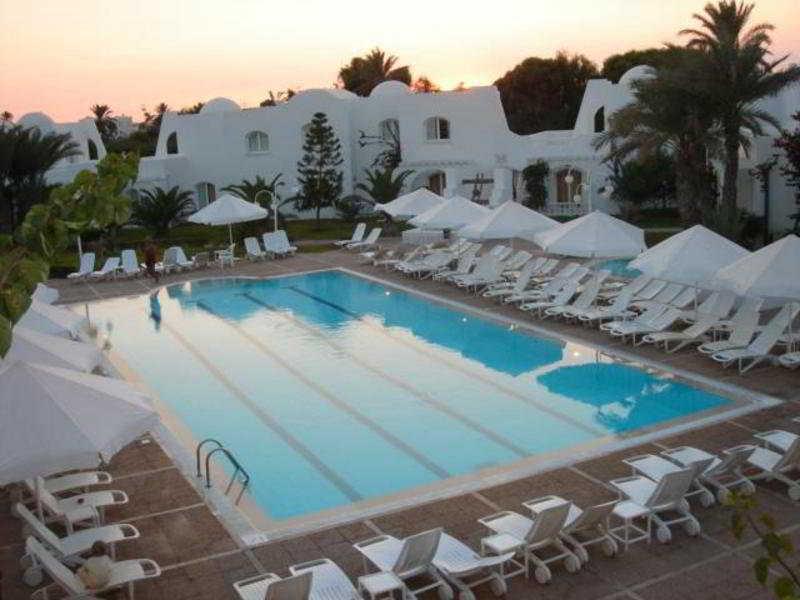 Pool (#2 of 2) - Hotel Djerba Haroun