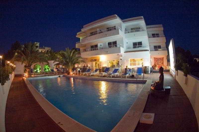 Sunset Point Sports Resort -