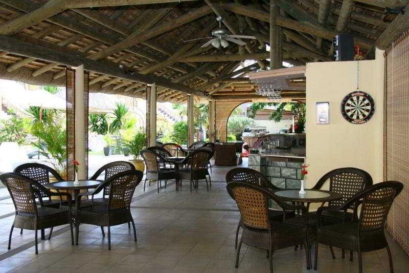Le Samara Hotel:  Bar