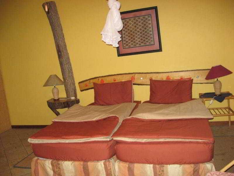 Room - Etosha Garten Hotel