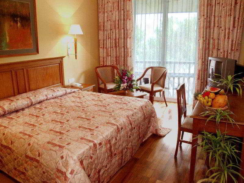 Room - Hotel Hibiscus Beach