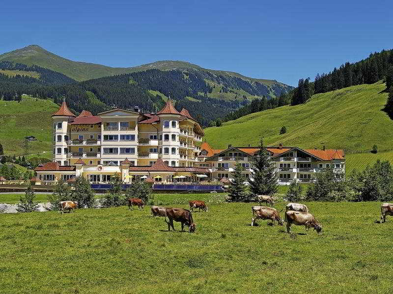 Traumhotel Alpina -