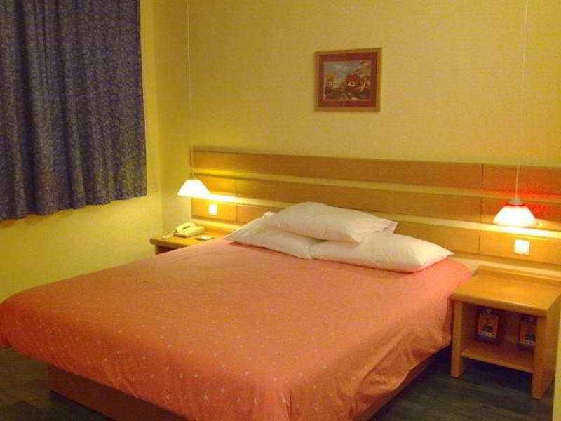 Home Inn Baiyun Avenue Guangzhou, China Hotels & Resorts