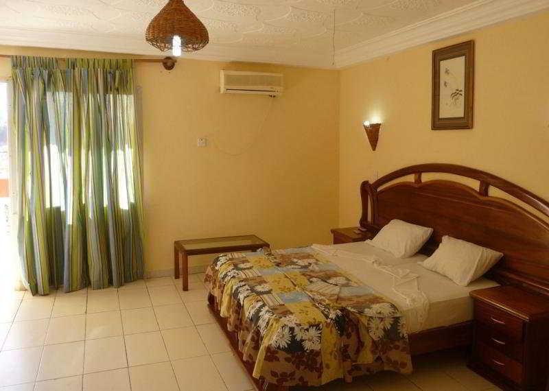 Room - Palm Beach Hotel