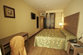 Room (#3 of 5) - Centro Los Braseros