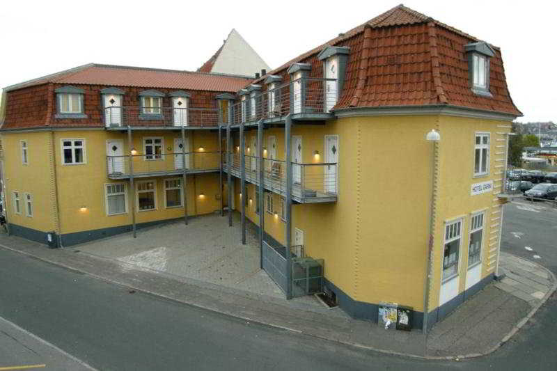 General - Hotel Garni