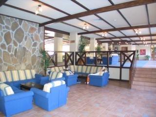Strazhite Hotel:  Lobby