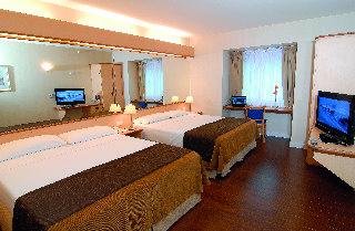 Aeroparque Inn & Suites