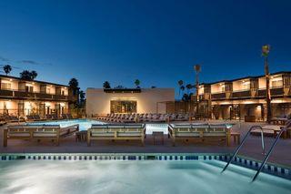 棕櫚泉V酒店
