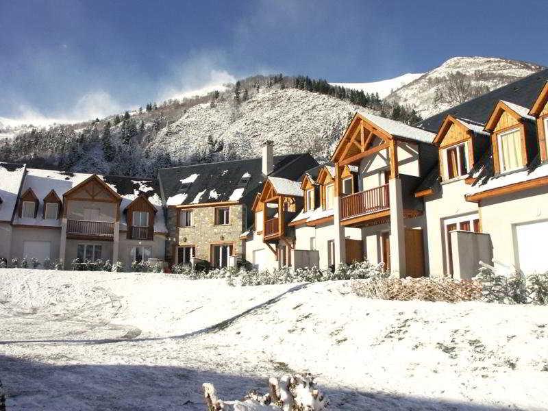 Village Vignec et les maisons de Pre St. Jacques in French Pyrenees, France