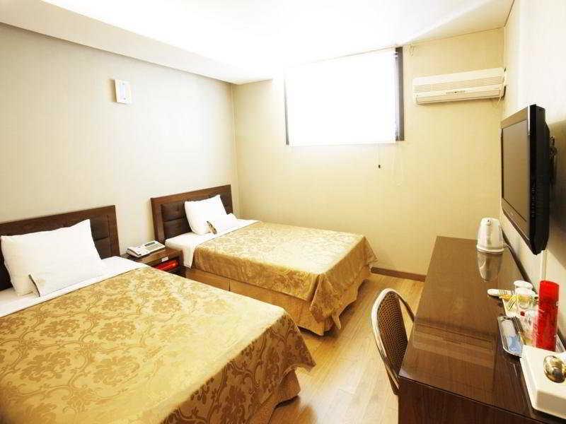 M. Biz Hotel -
