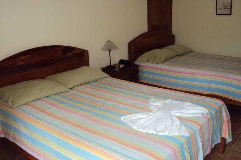 Room - Villa Acacia