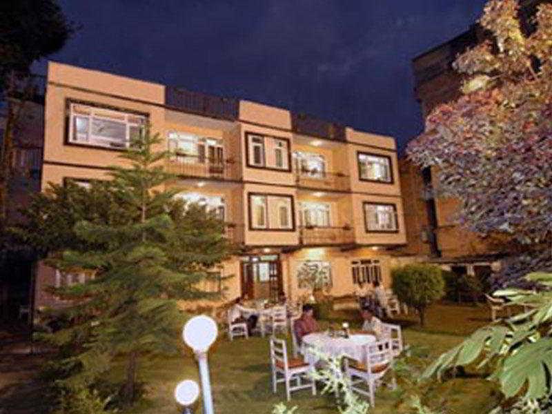 Viajes Ibiza - Acme Guest House