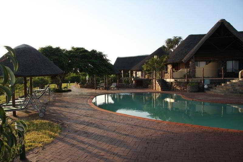 Zulu Nyala Heritage Safari Lodge:  Pool