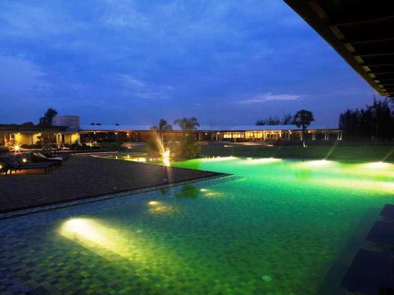 Club Mahindra Zest Big Beach Resort Tg Pondicherry India Hotels Resorts R S 200 201