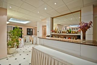 Nefeli hotel for Hotel familiar en capital