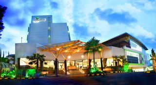 Banana Inn Spa Hotel Bandung Instant Reservation Travelticker Com