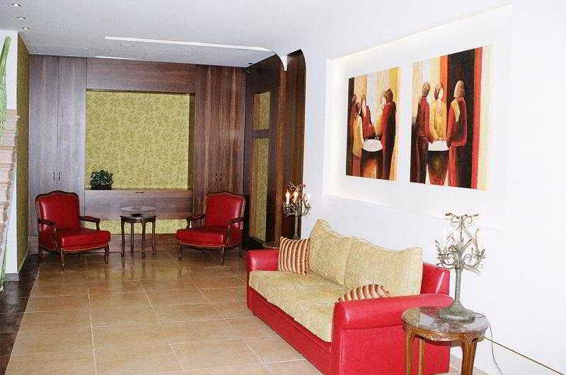 Canari De Byblos:  Lobby