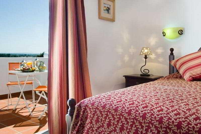 Room - Hotel Quinta Dos Bastos