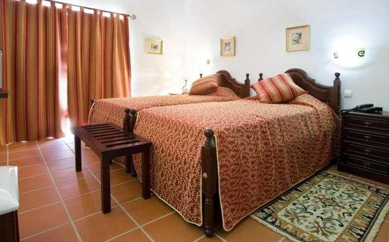 Room (#4 of 6) - Hotel Quinta Dos Bastos