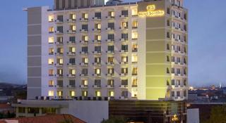 薩提卡彭德吉林蘇臘巴亞酒店