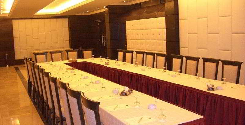 Sun Hills Hotel:  Conferences