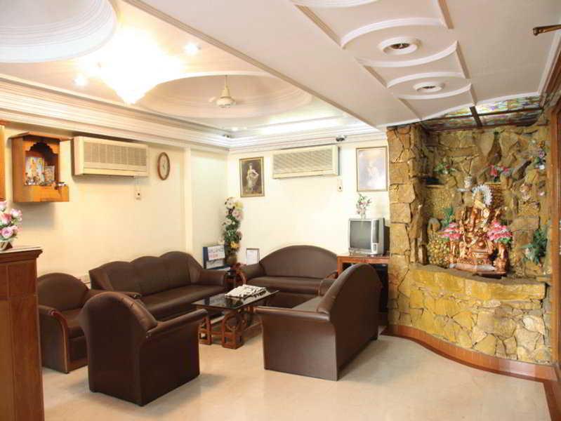 Maruti Hotel:  Lobby