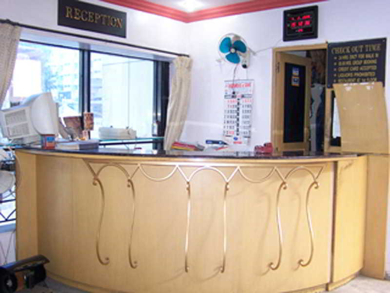 Jal Sagar Hotel:  Lobby