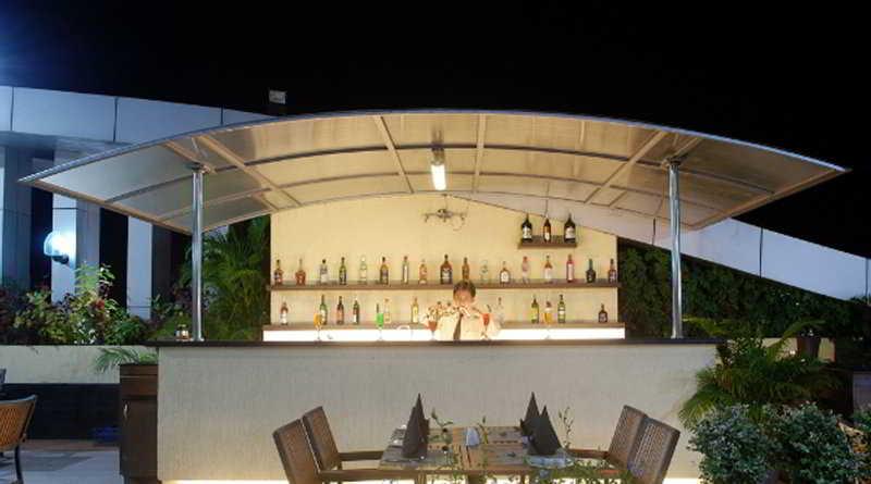 Hotel Mandakini Ambience Wakad:  Bar