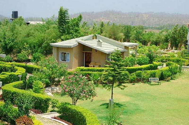 Mapple Leisure Resort in Corbett National Park, India