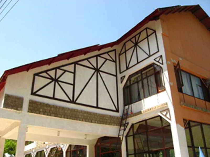 Snowcrest Manor