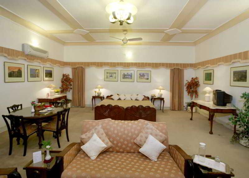 Room (#3 of 7) - Karni Bhawan Palace - Tg