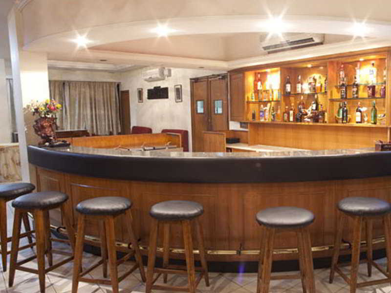 Hotel Southern Star - Tg  Bar