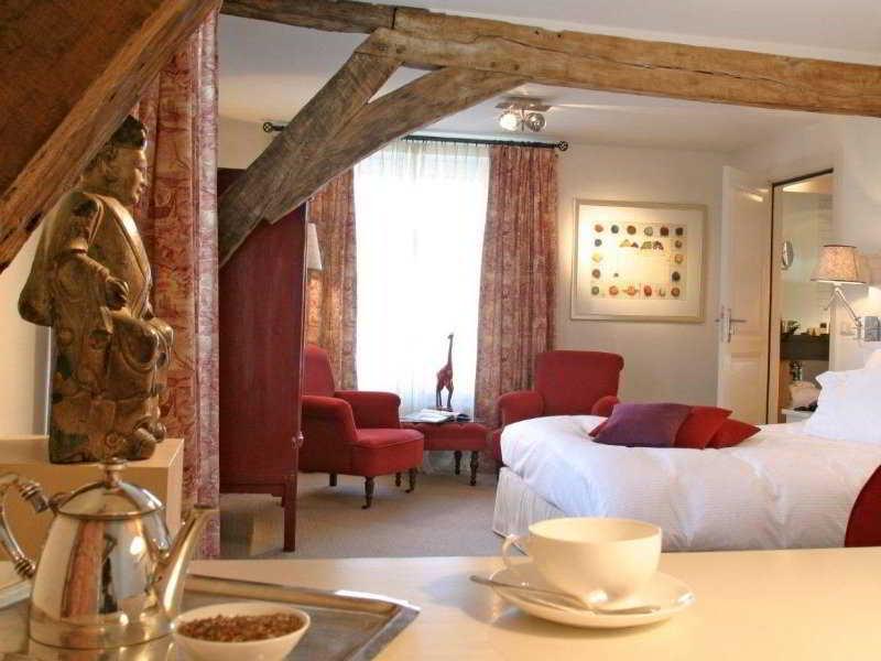 Sandton Hotel Chateau De Raay