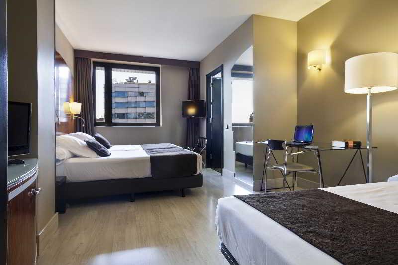 Precios y ofertas de hotel acta city 47 en barcelona for Hoteles barcelona habitaciones cuadruples