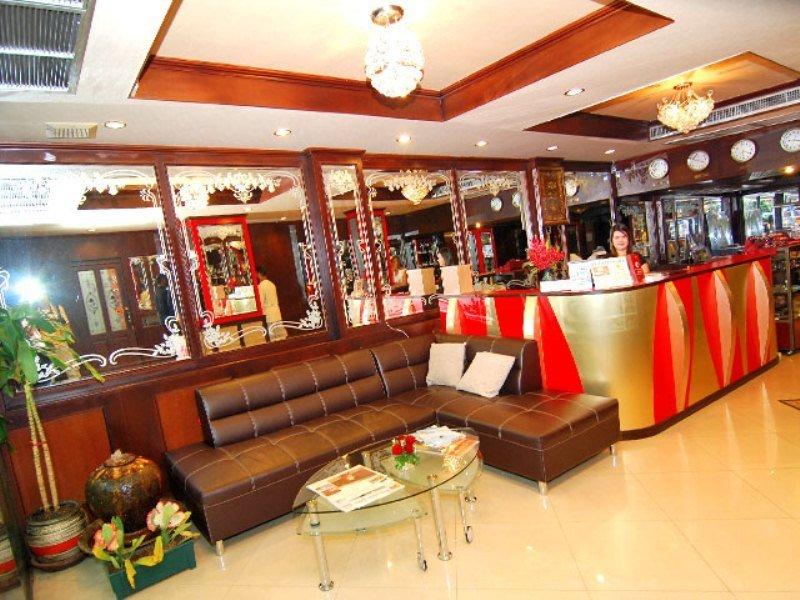 Lucky Palace Sukhumvit