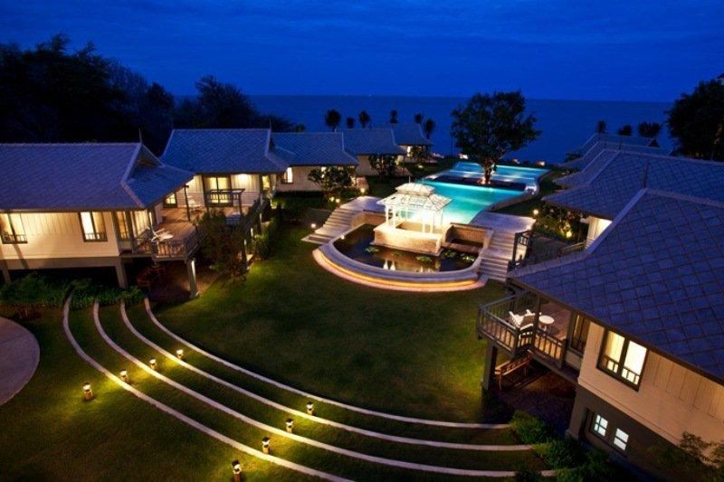 Hotel Devasom Huahin Resort