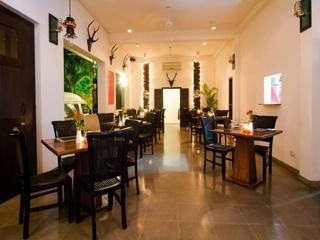 St. Lachlan Hotel & Suites