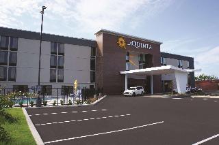 La Quinta Inn & Suites by Wyndham Columbus MS