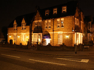 General: Kirkdale Hotel